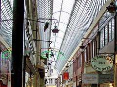 Paris 9e passages-062d haut (Julie70 Joyoflife) Tags: paris france passages 2007 copyrightjkertesz samsungnv7 paris9 paris9earrondissement parisrediscovered