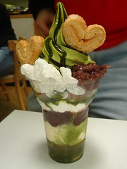Matcha Parfait (ebi debi) Tags: food chicago wow may icecream matcha greentea mitsuwa 2007 parfait maccha