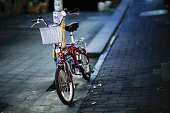 2038/1955* (june1777) Tags: street bicycle night zeiss canon eos f14 85mm snap 1600 contax carl seoul 5d kyocera planar myeongdong