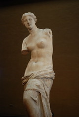 venus (TylerYoga) Tags: sculpture paris france art beautiful statue museum de greek venus louvre priceless milo famous january icon classical inside armless 2007 pariee uberfamous