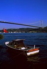istanblue- dia cekimler I (nilgun erzik) Tags: blue sea turkey december türkiye turkiye 2006 istanbul dia turquie İstanbul mavi estambul aralik tekne bogaz turkei hisar bogazkoprusu nilgunerzik fotoğrafkıraathanesi fotografkiraathanesi nilgünerzik