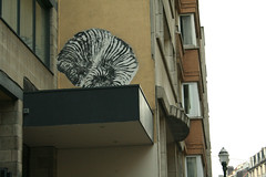 Bonom snail (SpUtNik 23 -RUR und MKZ) Tags: street brussels art up collage belgium belgique paste snail bruxelles steetart bonom
