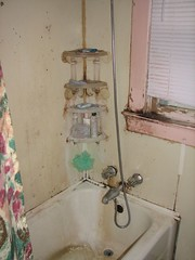 7827 SE Carlton - Bathroom1
