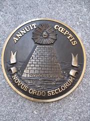 seal 2 - annuit coeptis: novus ordo seclorum (erikthered) Tags: nyc money seal annuit coeptis