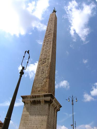 2004_0831_120146AA Obelisk van Thoetmosis III, Piazza San Giovanni, Rome por Hans Ollermann.