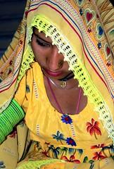 Thari woman2 (ZAK!) Tags: pakistan woman girl women coolest sindh umerkot thariwomanhinduhindugirlzak