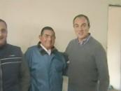 Lic. Sergio Cóser junto a uno de los presentes
