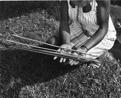 19th century arrows from northern Sierra Leone (West Africa) (gbaku) Tags: pictures africa west history photo 60s photos african femme picture sierra historic photographs sierraleone photograph westafrica arrows afrika arrow 1960s archery anthropologie artifact leone arrowheads sixties artifacts anthropology femmes artefact africain afrique ethnography geschichte ethnology artefacts africaine westafrican ethnologie afrikas