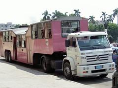 Public Transport - Camelho (picture_addicted) Tags: 2005 bus car vw truck d50 nikon transport havana cuba camel publictransport havanna kuba kamel lahabana pictureaddicted camelho volkswagenofbrazil