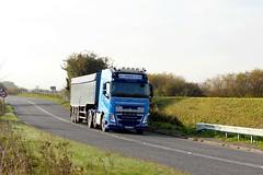 Les Clarkson Bulk Haulage 25th October 2016 A614 Double Bridges (1) (asdofdsa) Tags: hgv haulage transport trucks thorne eastcowick a614 volvo