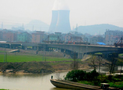 Chinese village/reactor, on the rails to Shanhai