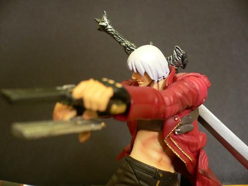 Dual Pistol Holding Dante