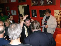 "robert gordon talking to ""east end mark"" (eight) Tags: london rockabilly robertgordon stevehooker chrisspedding100club"