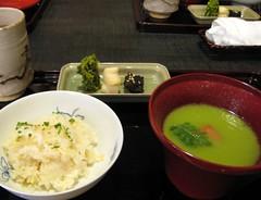 京都 菊乃井・露庵 たけのこ筍ごはんと、えんどう豆のお吸い物