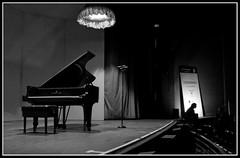 Waiting (zaqi) Tags: people concert gente noiretblanc concierto piano beethoven zaqi 123bw abigfave anawesomeshot wowiekazowie blackribbonbeauty rutkauskas szaqii