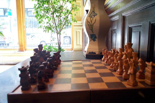 Marlowe Memorial Chess Set, Hotel Barclay, as featured in The Little Sister