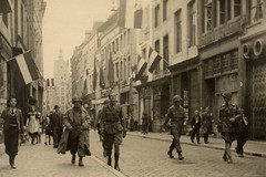 The first American troops in Maastricht (amagocsi) Tags: holland netherlands maastricht nederland ww2 nl liberation resistance worldwar2 wwll americantroops niederlanden 13november1944 november131944