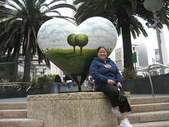 tree hugger (_melika_) Tags: sanfrancisco california vacation heart powell unionsquare memorialday weekendgetaway yayarea