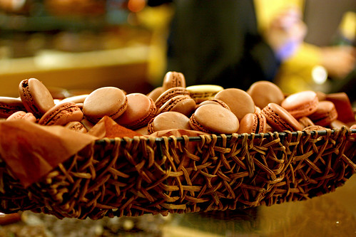 A basketfull of macarons!