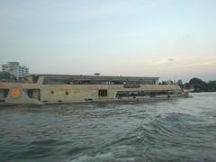 120.昦??耶河上的晚餐船