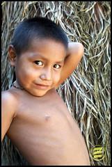 hes model (Eduardo Oliveira) Tags: light boy portrait people color male boys face kids portraits canon children kid pretty child retrato indian rosto ndio kuikuro kuikuru