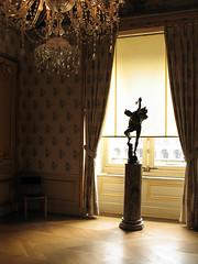 Louvre (Mel Toledo) Tags: winter light paris france art statue museum museu arte crystal louvre cristal lustre melsphotos meltoledo meltoledosphotos meltoledoflickr