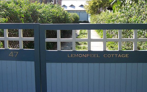 Lemonpeel Cottage gate Wagstaff Avenue Wagstaffe