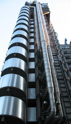 Edificio Lloyd´s: Un coloso de acero y vidrio en Londres