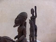Cavaliers africains 009 (Guillaume Cingal) Tags: africa wood horses sculpture art mali tours bois chevaux cameroun afrique cavaliers touraine baoulé