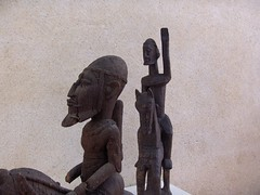 Cavaliers africains 009 (Guillaume Cingal) Tags: africa wood horses sculpture art mali tours bois chevaux cameroun afrique cavaliers touraine baoul