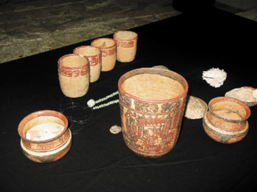 Copan, El Bosque, Vessels Found inside the Tomb