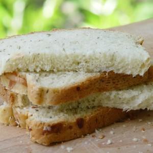 pain au fromage et aux herbes