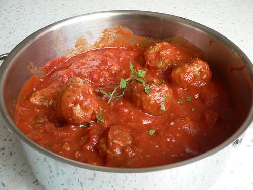 Mediterranean meatballs in tomato sauce