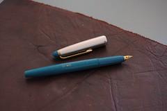 blue leather pen ink silver clip plastic cap fountainpen d40 1855mmf3556gii kansakoulu sok13