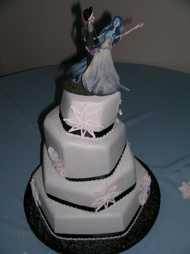 Halina\'s blog: Corpse Bride Wedding Cake This couple was not your ...