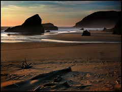 gold beach (jody9) Tags: ocean sunset beach topf25 oregon gold bravo searchthebest coastline naturesfinest magicdonkey utatafeature abigfave anawesomeshot superbmasterpiece goldenphotographer