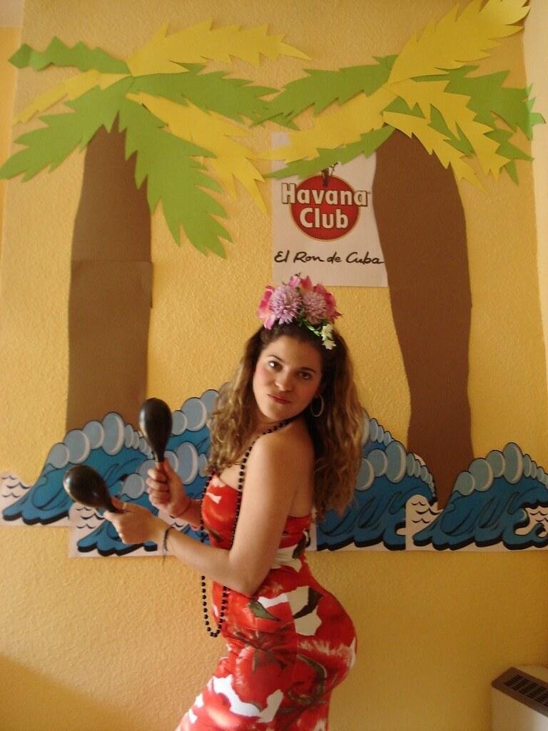 La cubana es la reina del Eden.....(fotos de bellezas en Cuba) 443983539_4c5c0f8bcd_b