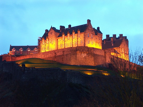 The early winter nights bathe Edinburgh Castle in gold