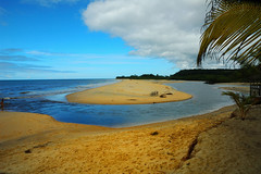 peacefulness (Iglesias) Tags: blue sea brazil seascape praia beach nature water brasil river landscape bravo d70 shots natureza places playa porto bahia coolest seguro outstanding potofgold fotoclube outstandingshots utatafeature 25faves seasunclouds absolutelystunningscapes