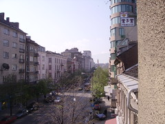 Vu de la chambre d'hotel : au loin le minaret de la mosque (gregorydintre) Tags: sofia bulgarie