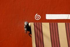 Espiral (Jesus Guzman-Moya) Tags: wall méxico mexico pared interestingness colours colores minimalismo puebla minimalist babel blueribbonwinner chuchogm abigfave sonydslra100 jesúsguzmánmoya anawesomeshot colorphotoaward superbmasterpiece borderingperception highestposition119onthursdayapril192007
