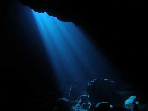 Buracona Cavern (v)