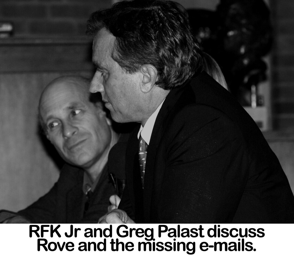RFK Jr and Greg Palast discuss Rove and the Missing e-mails -Photo by CS Muncy