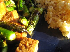 Tofu with Grilled Asparagus and Rice