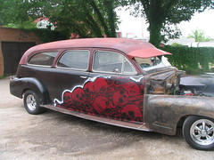 1948 Cadillac Hearse. Dallas. (Broken Crow) Tags: car skulls stencil mural cadillac hearse dallastx johngrider brokencrowcom bonepile
