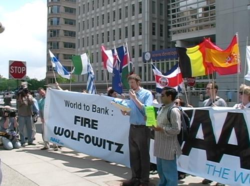 Wolfowitz vill sitta kvar