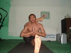 Eka Pada Sirsasana (YogiOdie) Tags: shirtless yoga meditating meditation stretching contortion bendy flexibility flexible stretches stretchy limber ekapadasirsasana frontbend