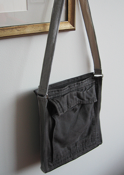 """I'm Pockets"" bag"