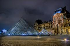 pyramide de nuit - by coolmonfrere