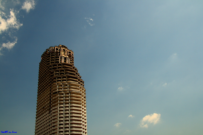 An abandon building in Bangrak Bangkok.